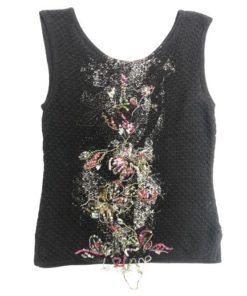Sleeveless Top With Middle Flower Design